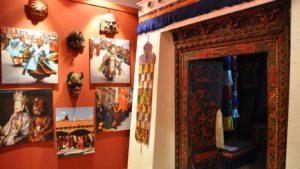 vchod do buddhistické svatyně