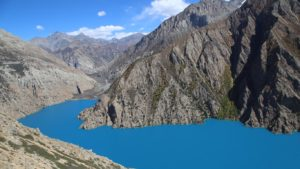 Nepál - posvátné jezero Poksundo